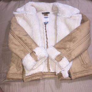 Old Navy winter ❄️ Jacket faux fur size XS ( 5T)